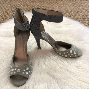 Seychelles Gray Snake Skin Crystal Sandals Heels 8